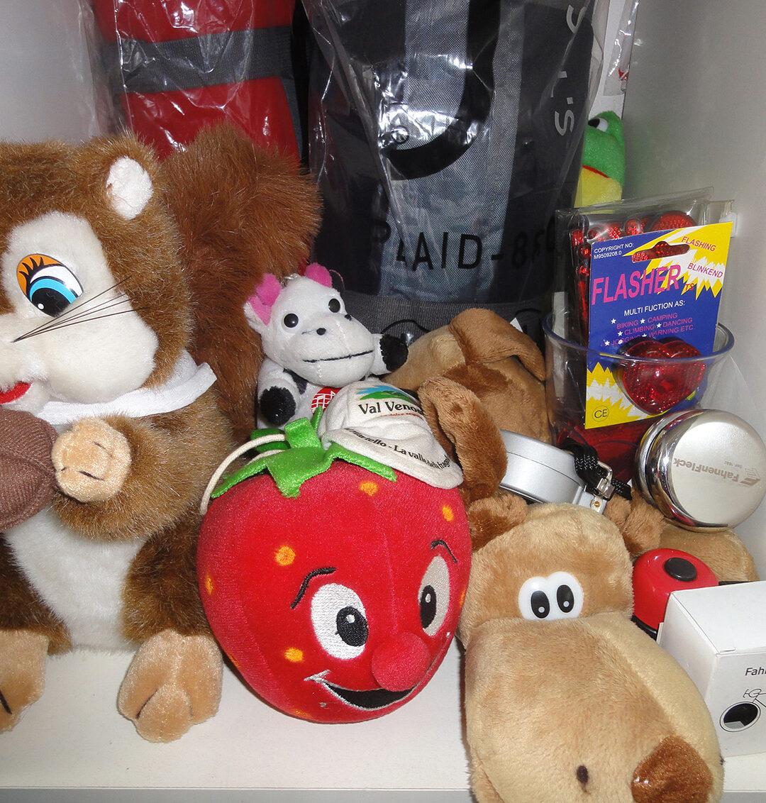 Plüschtiere und Spielzeug