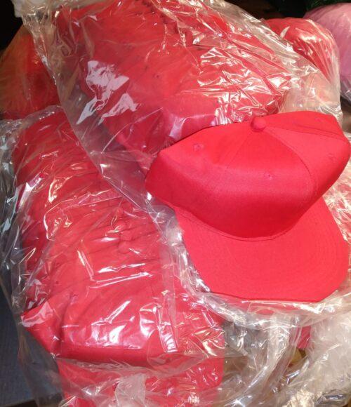 Caps Rot mit breiten Schild ca. 50 Stk.